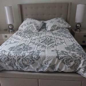 Bedroom Set for Sale $800